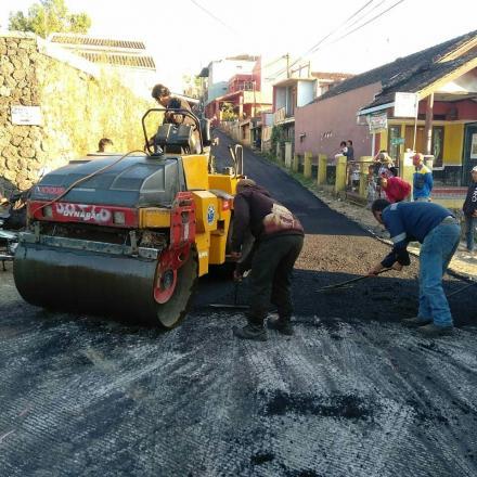 Pengerjaan HOTMIX Jalan Desa Jalur Kp. Kopeng - Kp. Batukasur